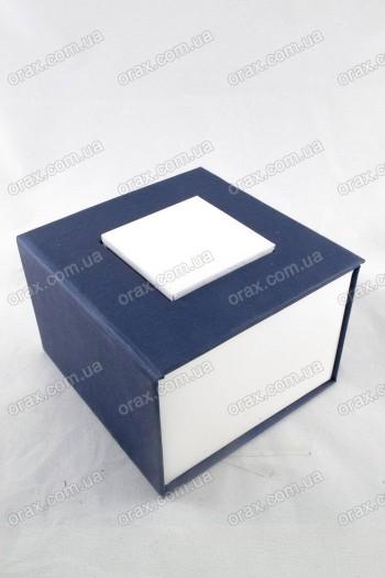 Подарочный коробок картонный (код: 12834)