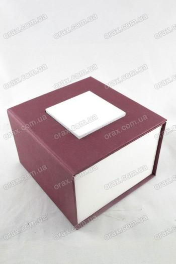 Подарочный коробок картонный (код: 12835)